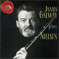 James Galway Plays Nielsen - Bjorn Carl Nielsen (oboe); Bjorn Fosdal (french horn); Brian Hawkins (viola); James Galway (flute); Jens Tofte-Hansen (bass);...