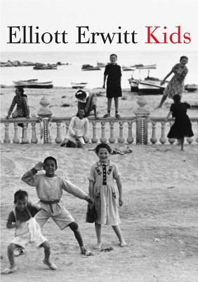 Elliott Erwitt: Kids - Erwitt, Elliott (Photographer), and Flowers, Charles (Introduction by)