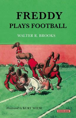 Freddy Plays Football - Brooks, Walter R